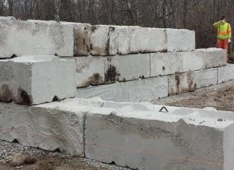 farm_blockwalls_concrete_008