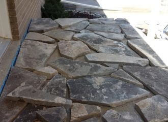 flagstone_front_step_001