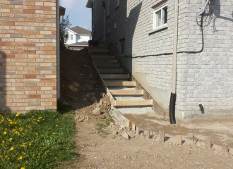 side_house_stairs_patio_009