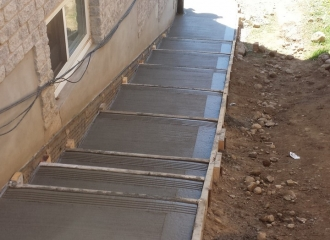 side_house_stairs_patio_019