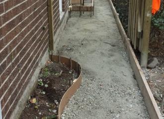 side_house_walkway_003